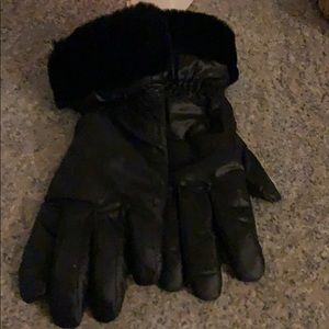 Ugg ladies gloves
